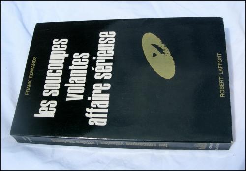 frank edwards,o.v.n.i,ovni,u.f.o,ufo,soucoupes volantes,objets volants non identifiés,ufologie